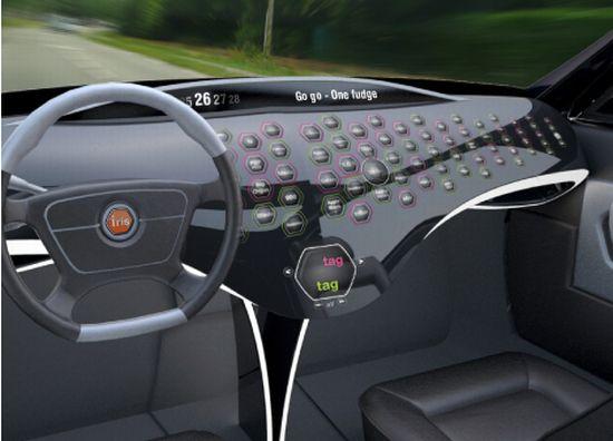 Bil med instrumentbräda totalt överlastad av nästan likadana knappar.