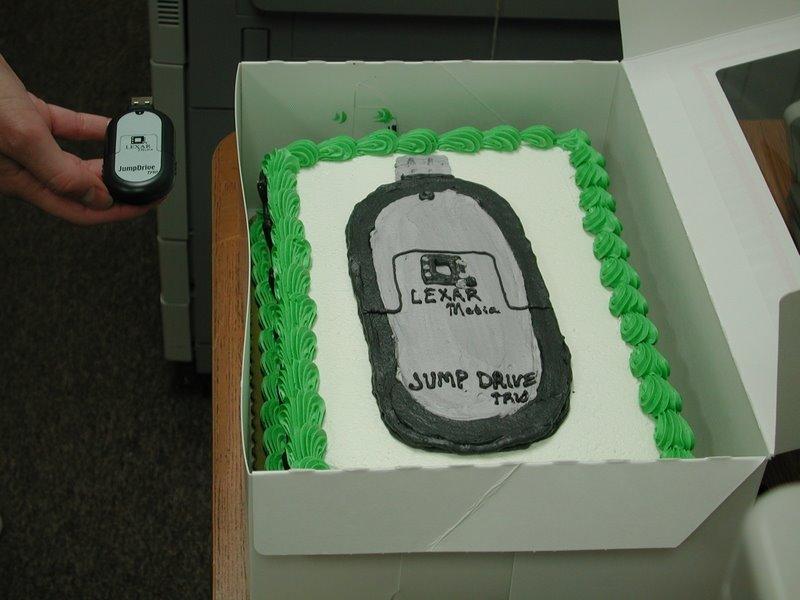 Tårta med bild av själva USB-minnet.